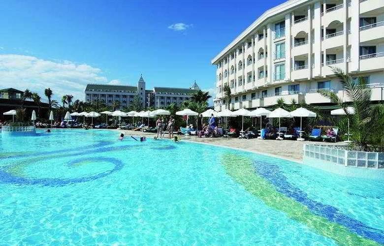 Primasol Hane Garden - Pool - 4