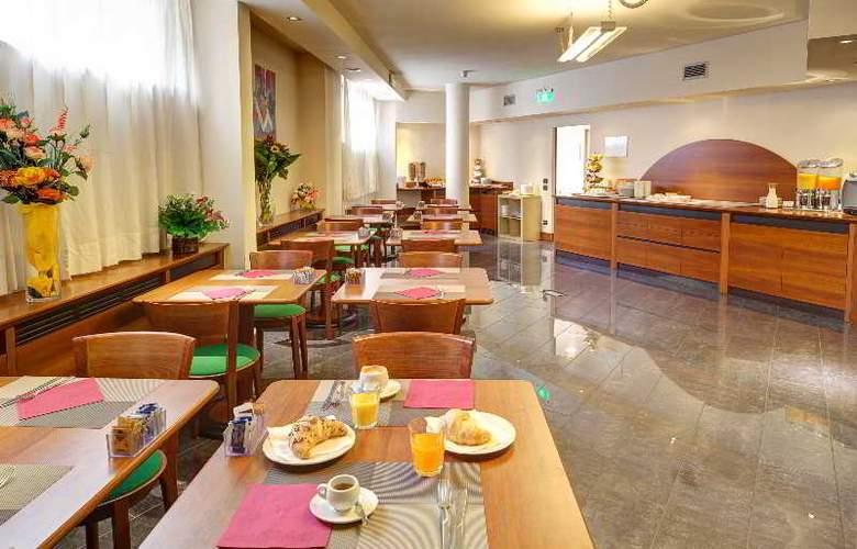Hotel RE - Restaurant - 12
