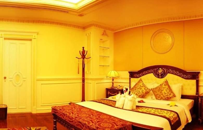 Phnom Penh - Room - 8
