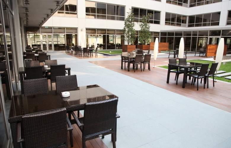 ISG Airport Hotel - Beach - 3