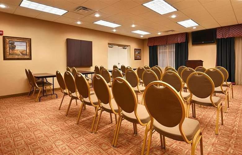 Best Western Plus Cecil Field Inn & Suites - Room - 35