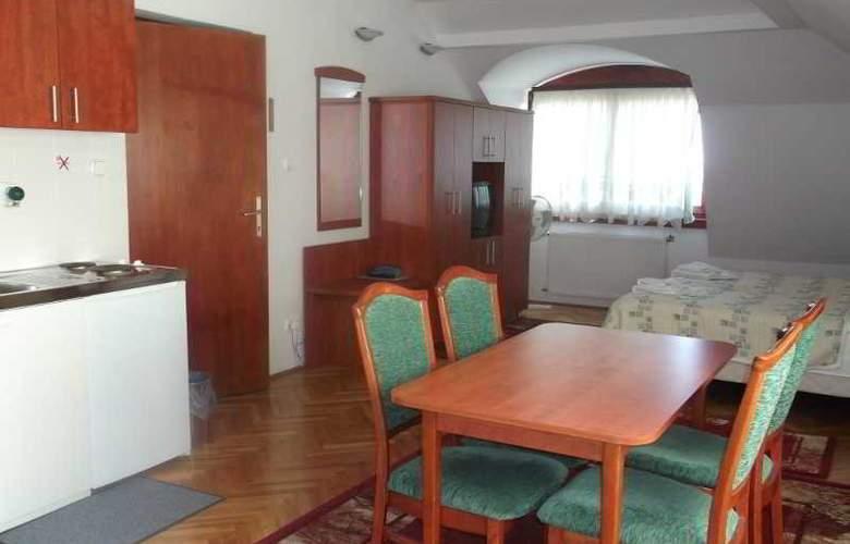 Helios Panzio - Room - 4