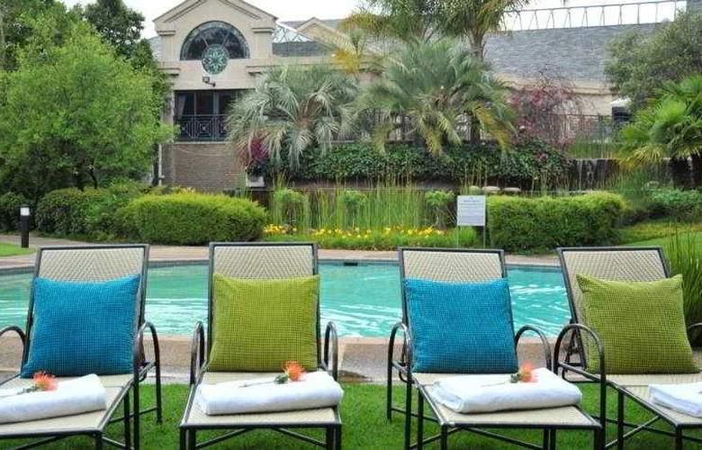 Protea Hotel Midrand - Pool - 5