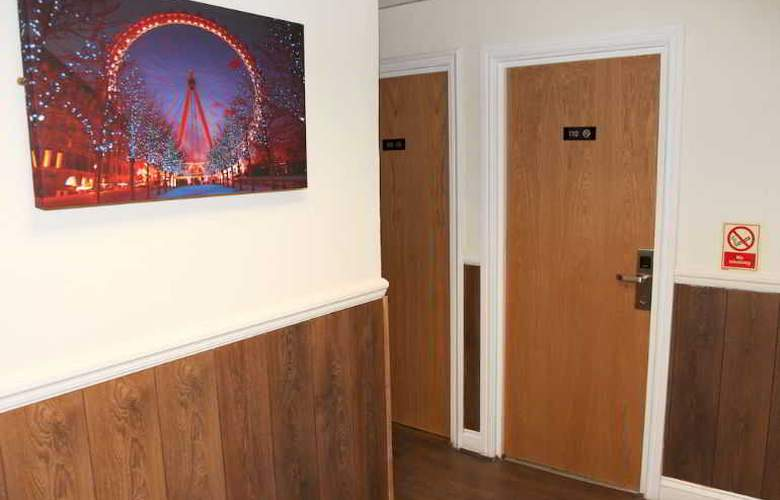 Ascot Hyde Park Hotel - Hotel - 0