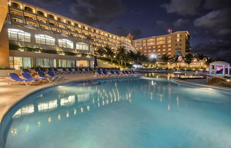 Golden Parnassus Resort & Spa All Inclusive - Pool - 3