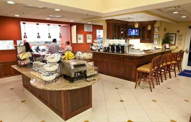 Hilton Garden Inn Raleigh Triangle Town Center - Hotel - 10