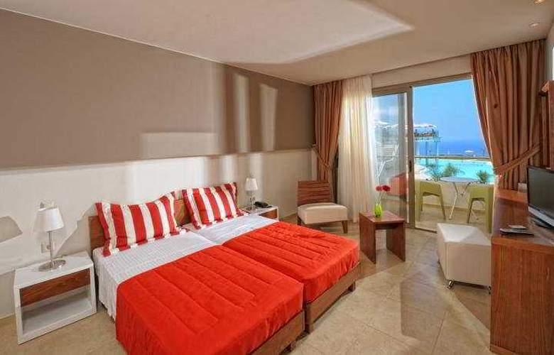 Royal Heights Resort - Room - 5