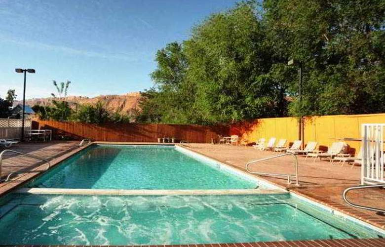 River Canyon Lodge - Pool - 4