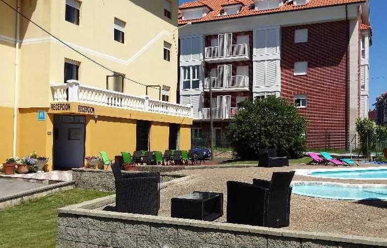 Azcona - Pool - 19