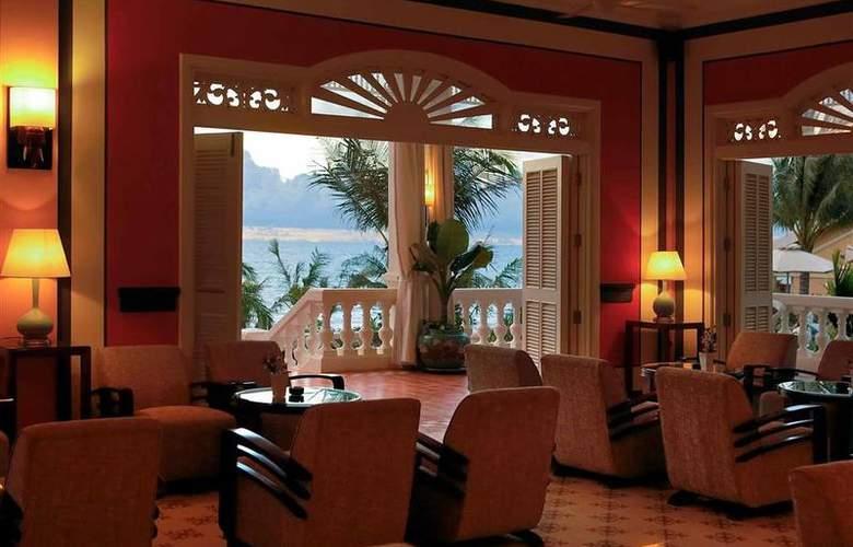 La Veranda Resort - Bar - 37