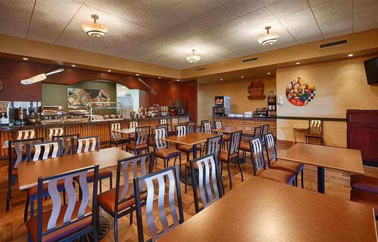Best Western Arroyo Roble Hotel & Creekside Villas - Restaurant - 93
