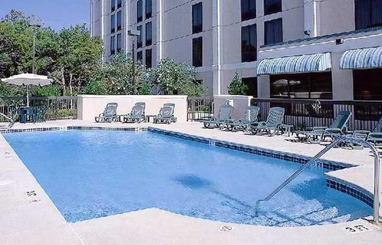 Hampton Inn Austin-NW/Arboretum - Hotel - 2