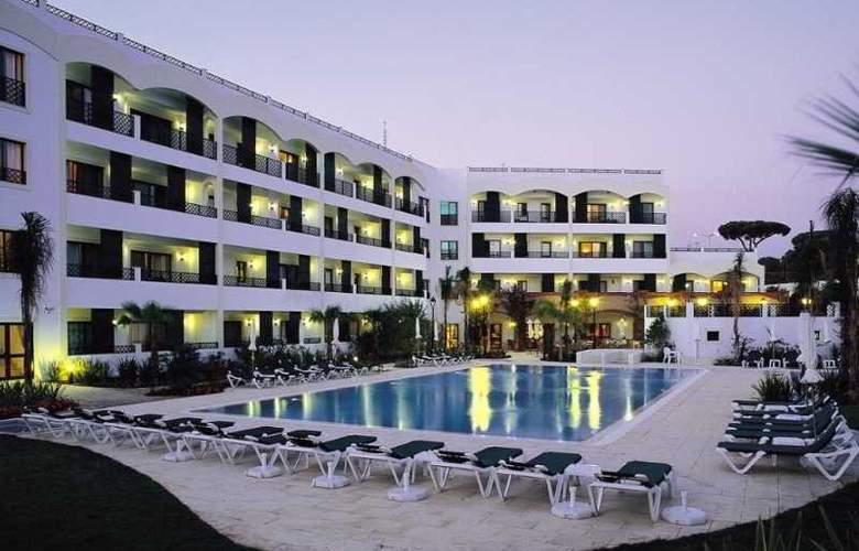 Formosa Park Apartment Hotel - Pool - 3