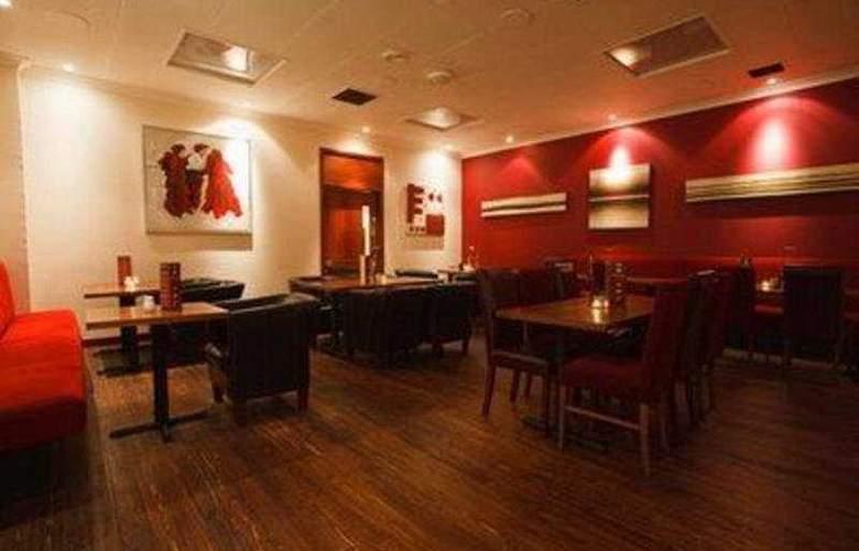 Whitehorse Inn - Bar - 3
