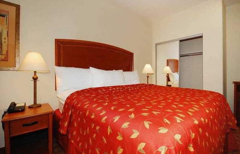 Best Western Plus San Antonio East Inn & Suites - Hotel - 8