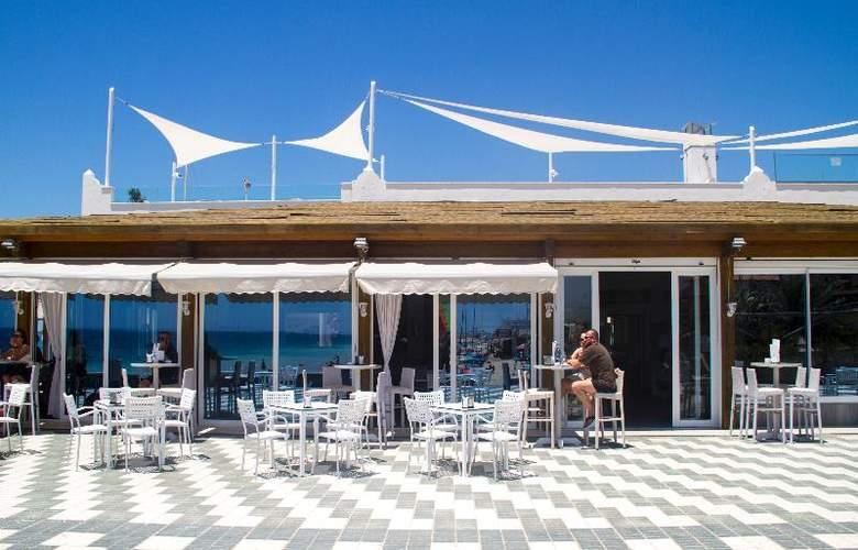 Playa De La Luz - Restaurant - 20