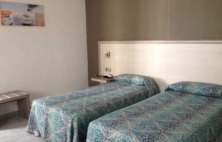 Planas - Room - 16