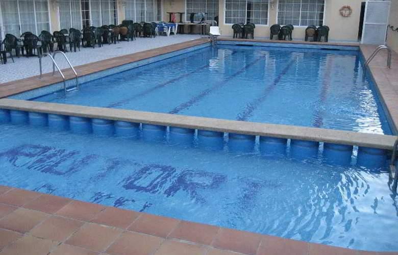 Riutort - Pool - 14