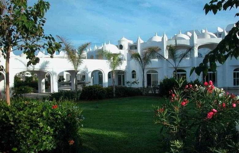 Amphitrite Palace Resort And Spa - Hotel - 0