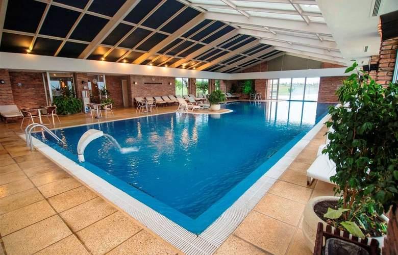 Arapey Thermal Resort and Spa Hotel - Pool - 11