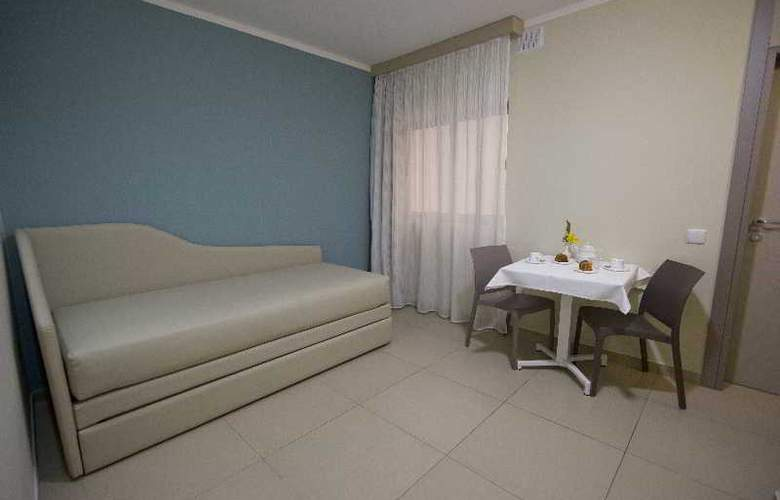 115 The Strand Aparthotel - Room - 16