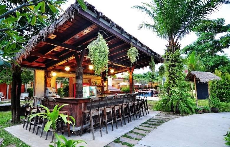 Phuket Sea Resort (formely Maalai Resort) - Bar - 10