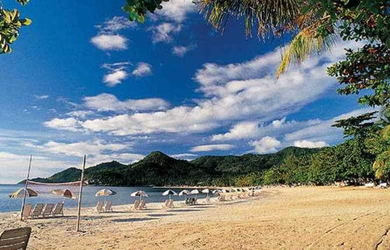First Bungalow Beach Resort - Beach - 11