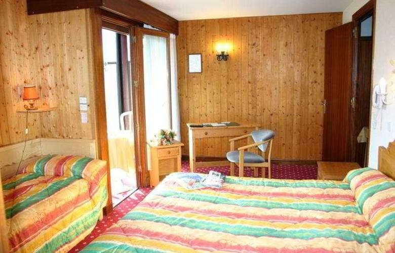 Chris-Tal - Room - 3