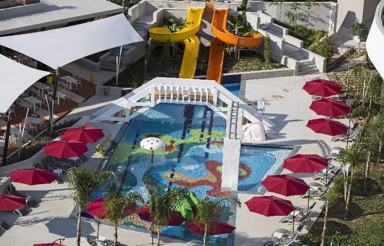 The Sense De Luxe - Pool - 24