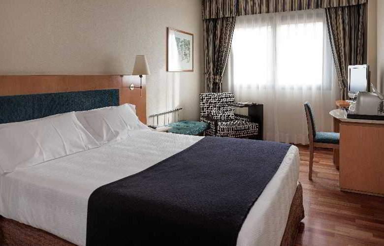 NH Ciudad de Valladolid - Room - 9