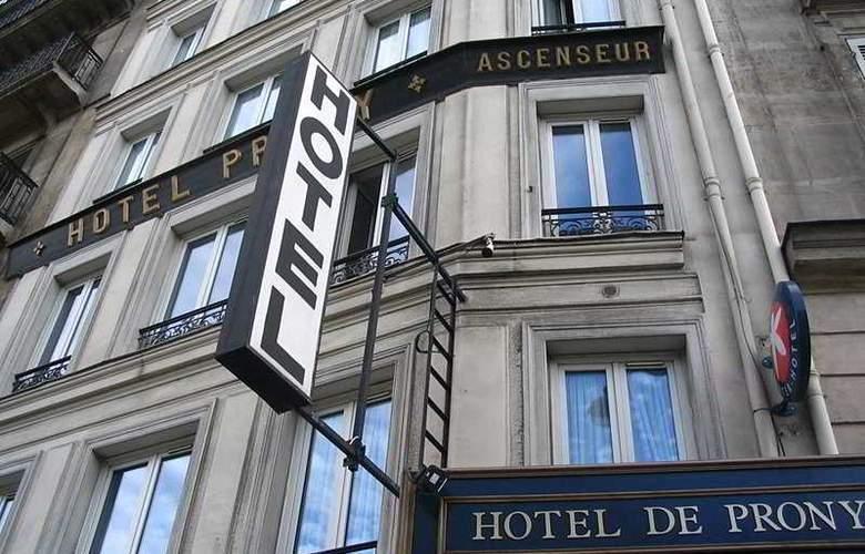 Prony - Hotel - 0