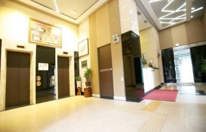 Boom Tourist Hotel - General - 5