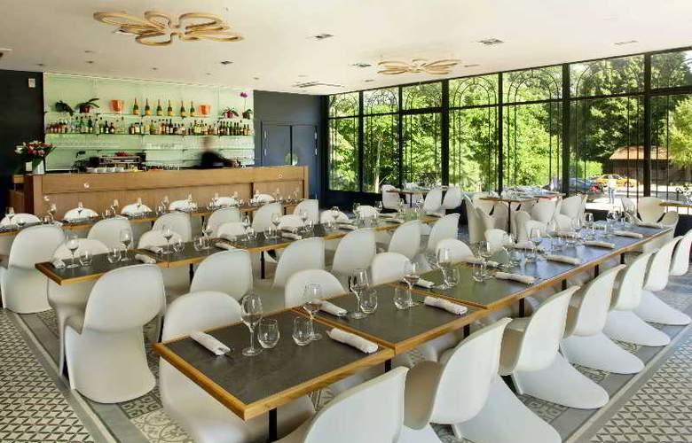 L'Orangerie du Chateau - Restaurant - 17