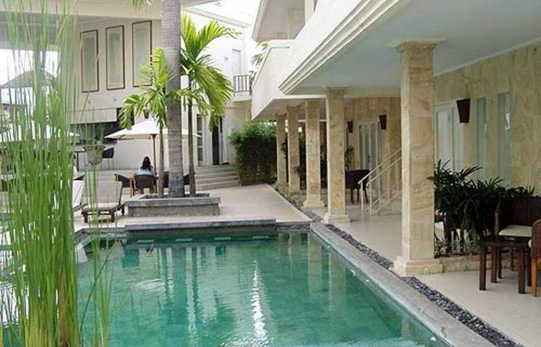 Bali Court Hotel and Apartments - Pool - 2