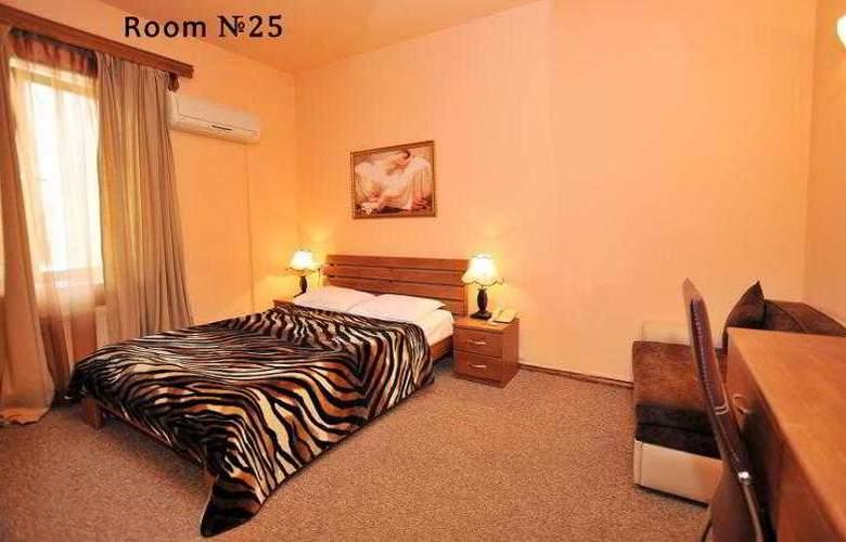 Diplomat Hotel - Room - 37