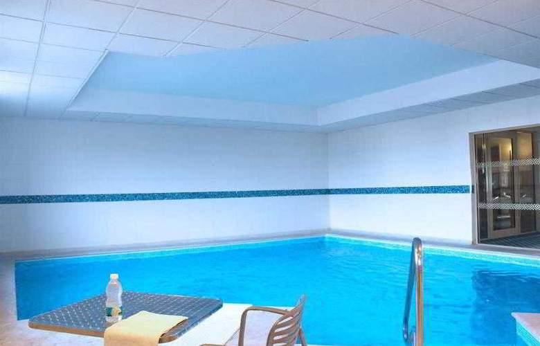 Four Points by Sheraton Monterrey Linda Vista - Pool - 7
