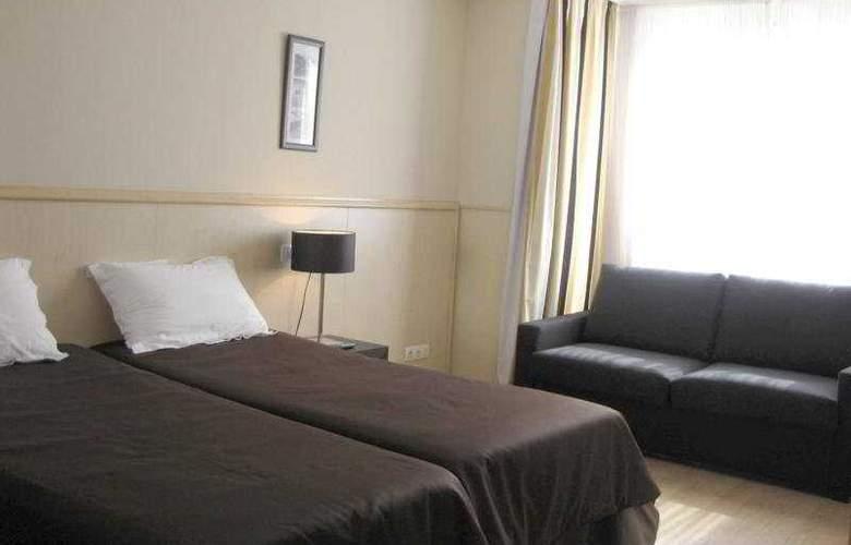 Suites Feria de Madrid - Room - 7