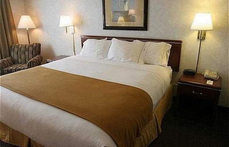 Holiday Inn Express Boise - Room - 0