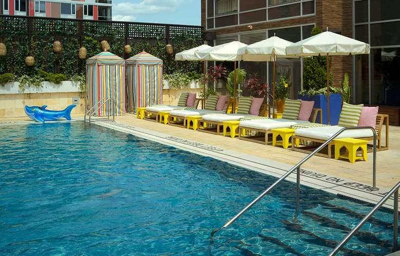 McCarren Hotel & Pool - Pool - 2