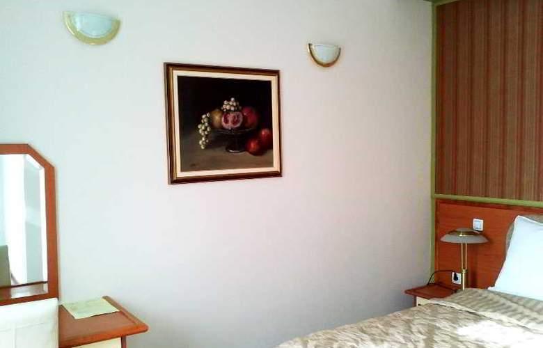 Leotar - Room - 13