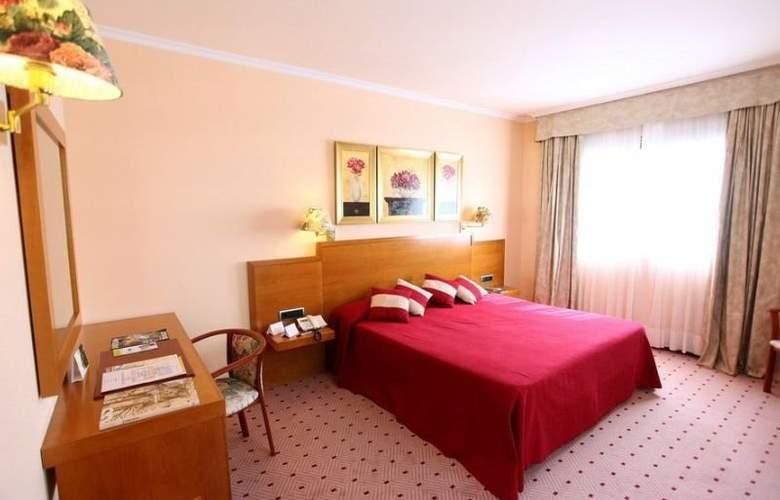Galicia Palace - Room - 5