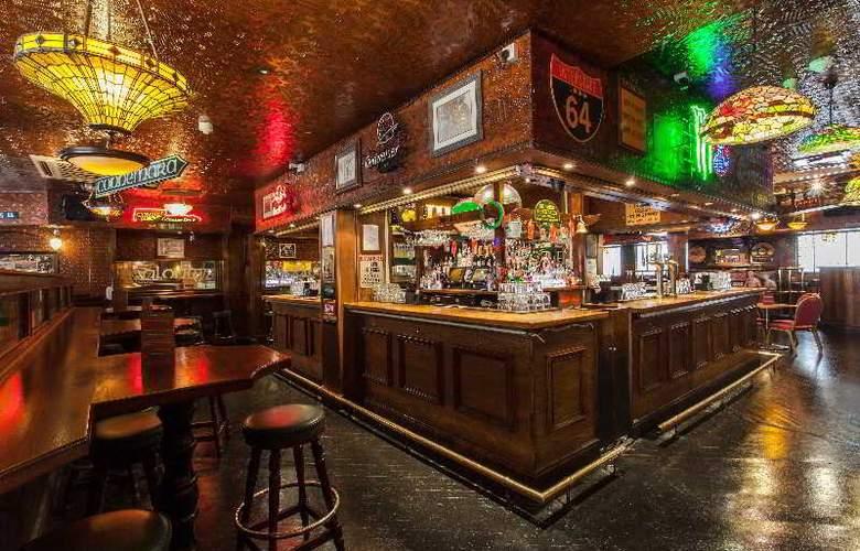 Scarisbrick Hotel - Bar - 6