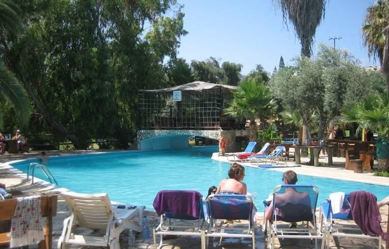 Rio Gardens - Pool - 5