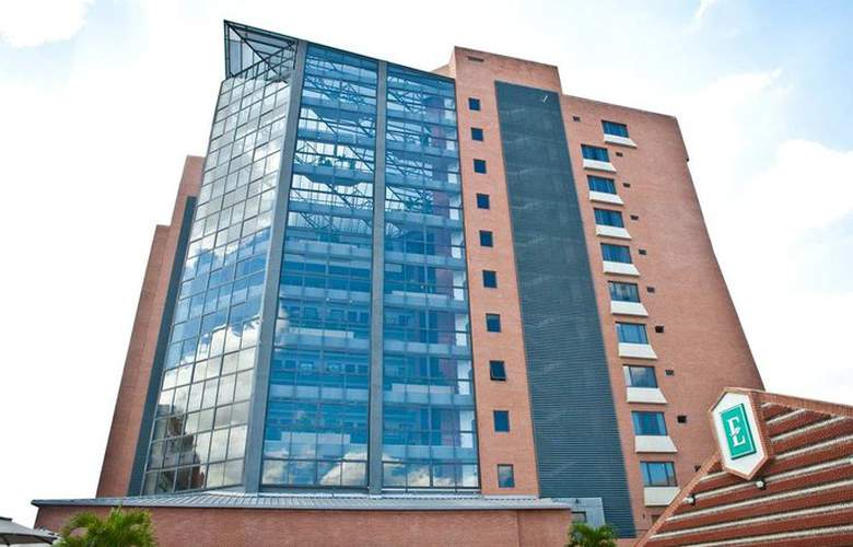 Embassy Suites Valencia - Hotel - 0