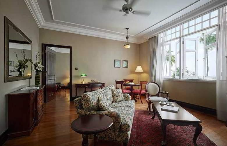 Eastern and Oriental Hotel Penang - Room - 33