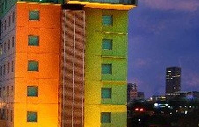 Sparks - Hotel - 0
