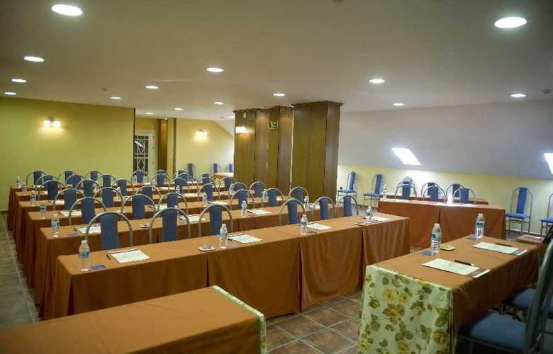 Retiro del Maestre - Conference - 13