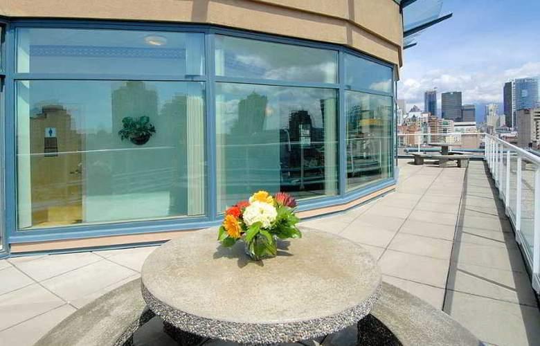 GEC Granville Suites - Terrace - 46