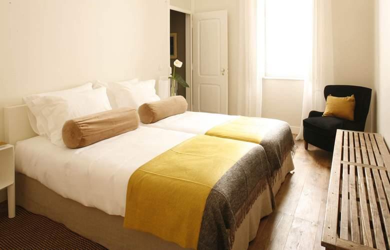 Casa Das Janelas Com Vista - Room - 8