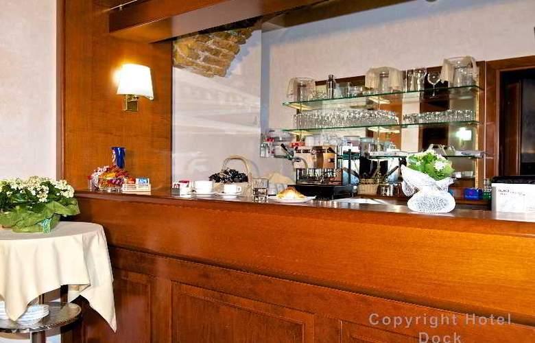 Dock (All Suites) - Bar - 1